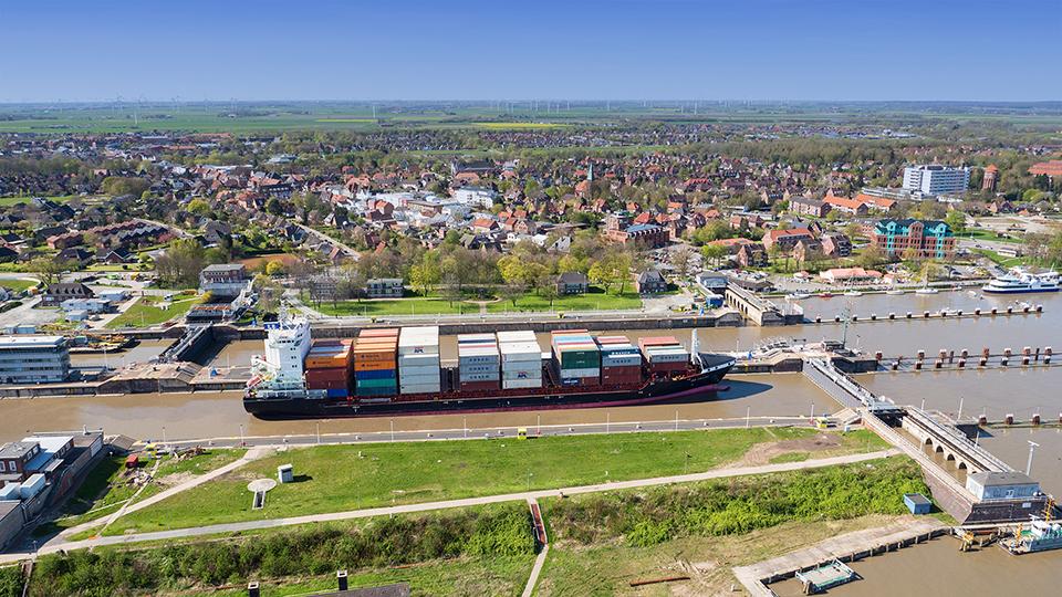 Schleusenanlage des Nord-Ostsee-Kanals in Brunsbüttel