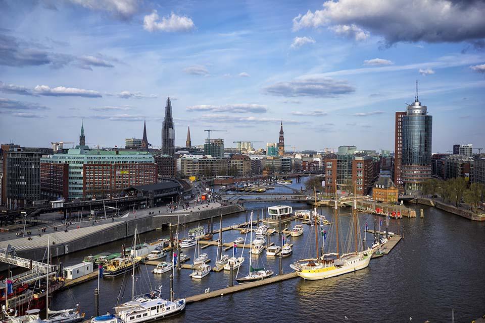 Blick in den Binnenhafen / Hamburg